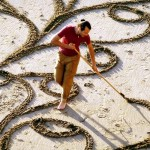 A Man Takes a Single Rake to the Beach… And Creates a Masterpiece.