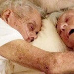 After 75 Years of Marriage, This Couple Died In Each Others' Arms Hours Apart.