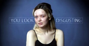 This Girl Removes Her Make-Up to Reveal the Internet's Harsh Standard of Beauty.