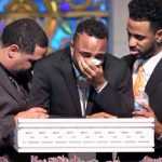 A Son Collapses In Tears at Funeral of His Mom, Who Protected Him From Bullets In Orlando.