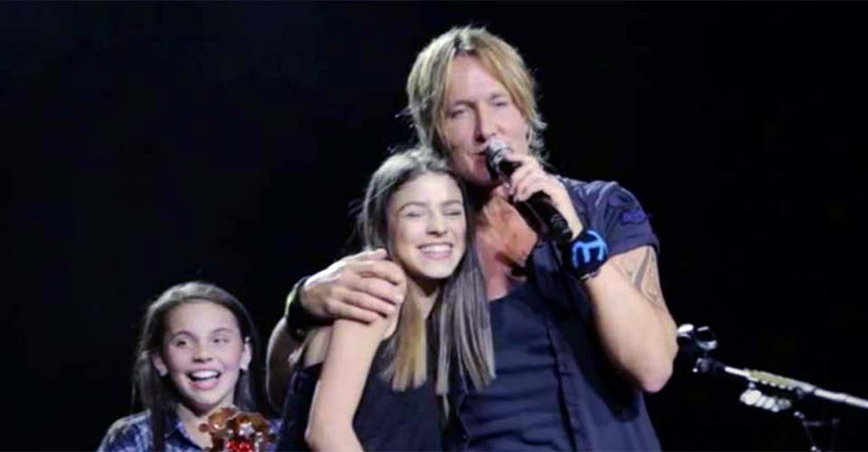Keith Urban Calls a Girl Onstage On a Whim. Then, He's Amazed When She Belts Out a Surprise Performance.