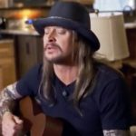 Kid Rock delivers chills with emotional performance of new country song.