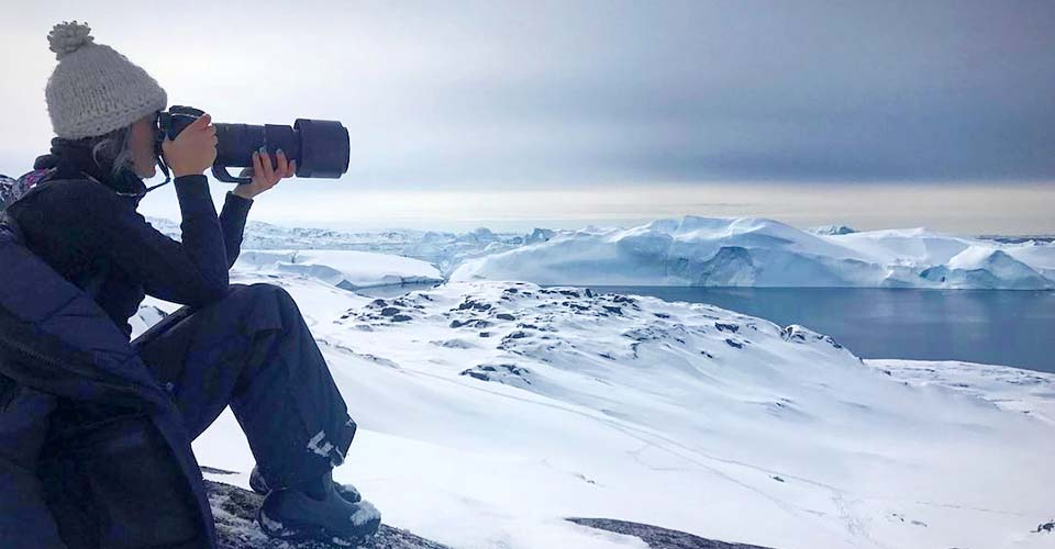 An artist goes to a remote area in Greenland to show us the beauty and fragility of Earth.
