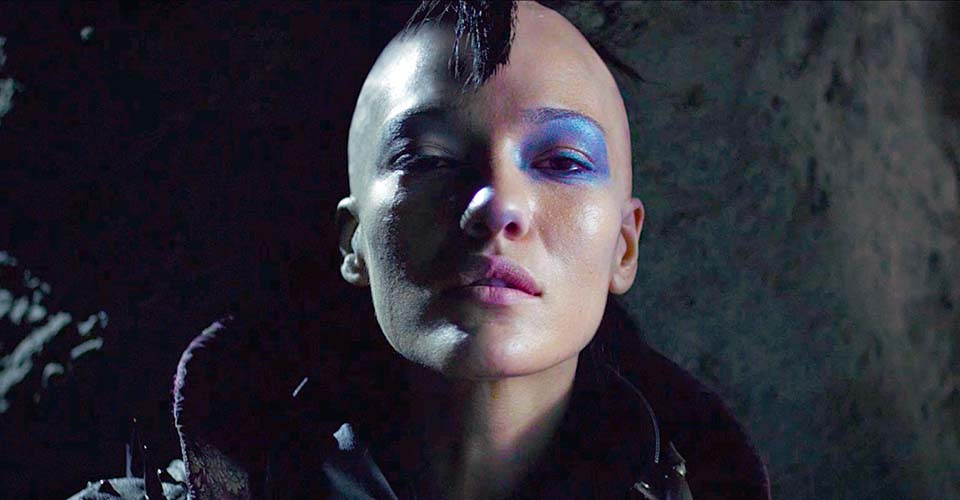 A Hollywood artist made a stunning sci-fi short about a dark future that you have to see.